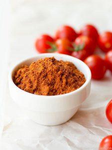 بسته بندی انواع ادویه پودر گوجه
